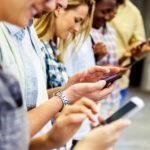 Birthright Israel alumni downloading apps