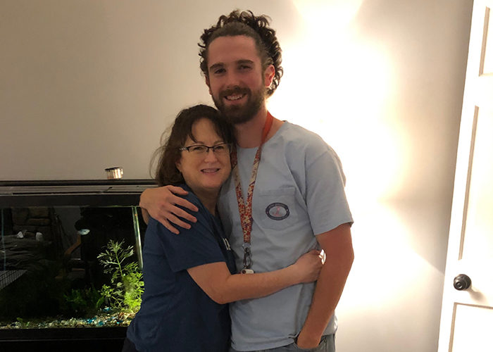 2019 Birthright Israel participant Riley Pope with his mom in Memphis, TN