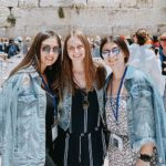 2019 Birthright Israel alumna Maya Rosen with her friends in front of the Kotel