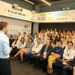 An Israeli entrepreneur speaking to a Birthright Israel group
